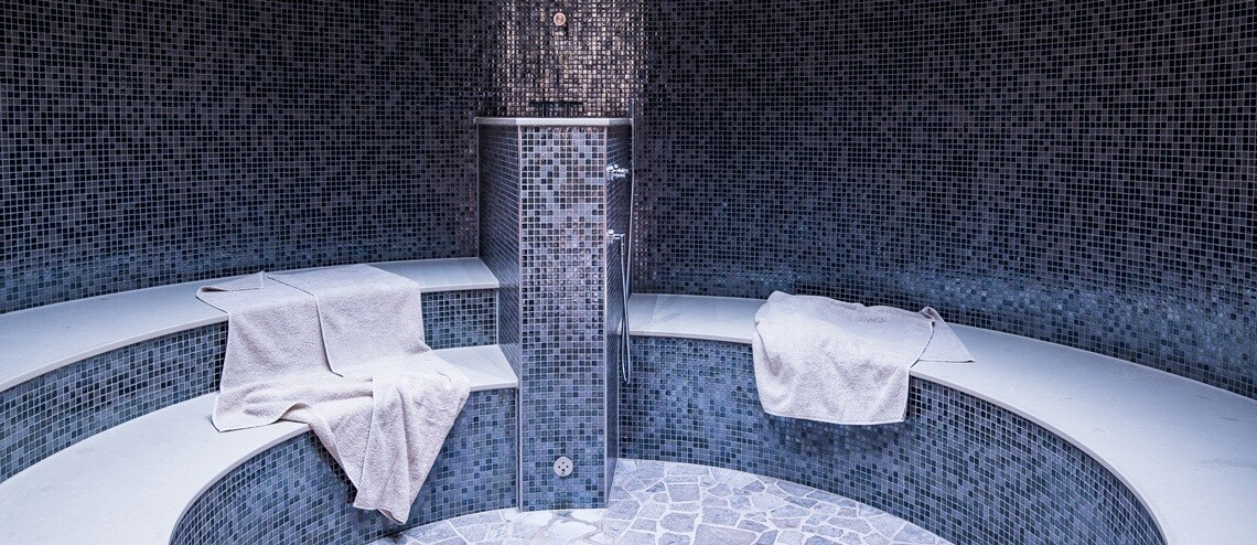 Interior view of the steam bath in the spa area of ​​Severin*s Resort and Spa on Sylt