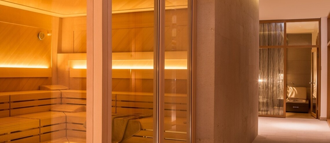Exterior view of the Finnish saunas in the wellness area of ​​the Hotel Severin*s Resort and Spa on Sylt
